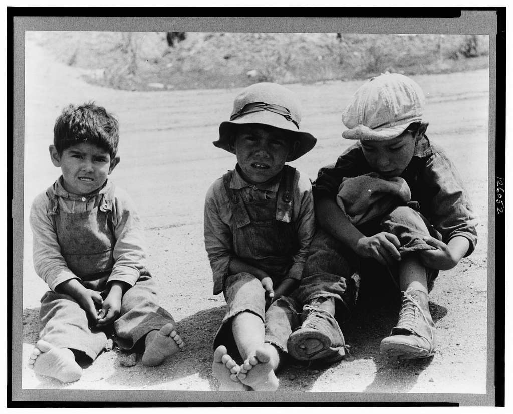 Spanish-American children, Penasco, New Mexico