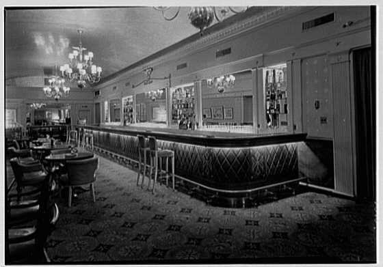 Stouffer Restaurant, E. 42nd St., New York City. Bar, to rear, from right