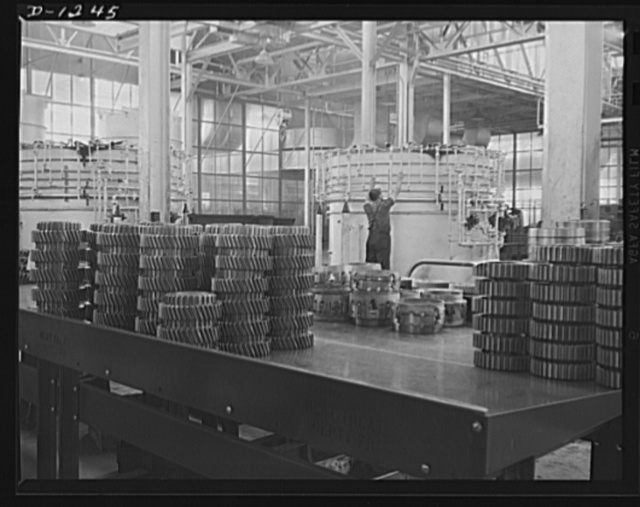Tank manufacture (Chrysler). Twelve of these bell type carburizing furnaces are in twenty-four hour operation at the huge Chrysler tank arsenal in Detroit. They are employed to barburize final drive gears, transmission parts and other parts of the twenty-eight ton M-3 tanks in production there
