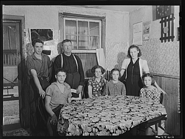 The family of John Yeuser. Mauch Chunk, Pennsylvania (see general caption)