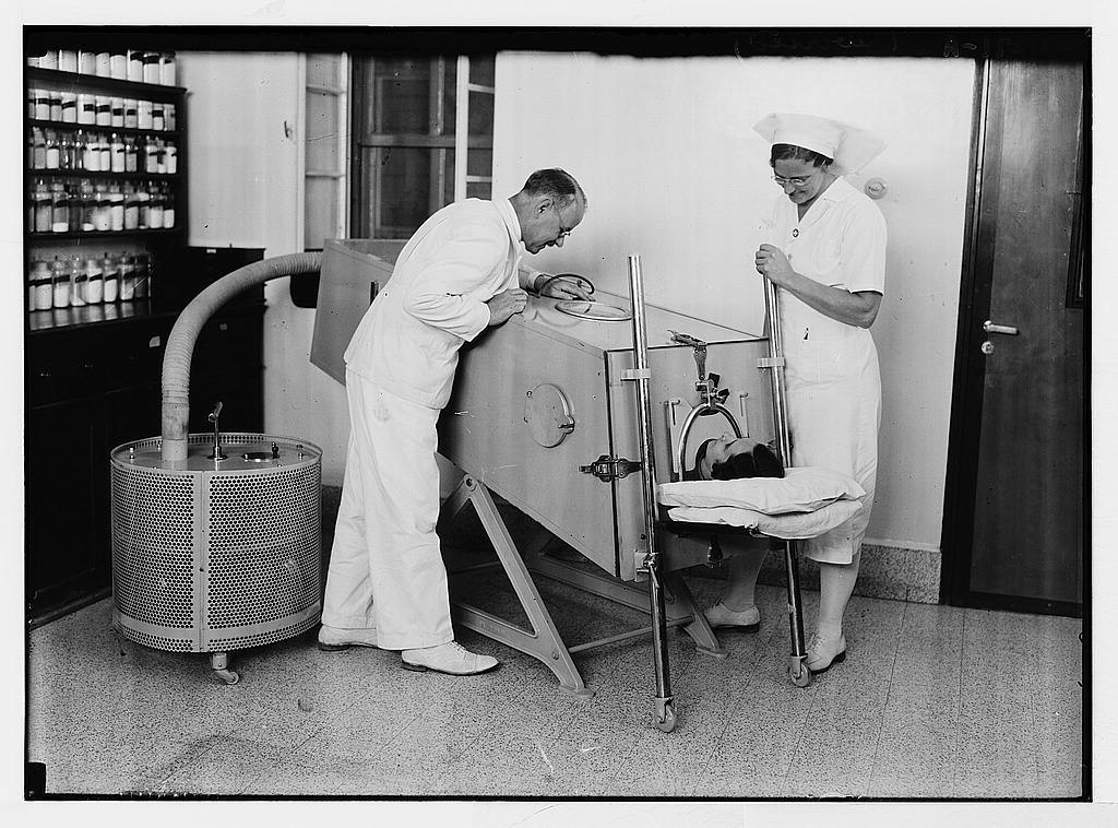The Scots Mission Hospital. The iron lung[?]. (Dr. Torrance, Sister Lee, patient Dow).