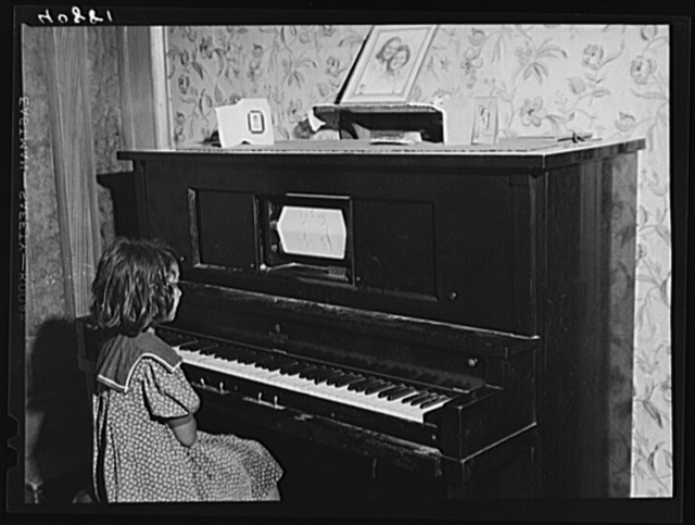 This old player piano was in an old farmhouse occupied by migrants near Cedarville, N.J.