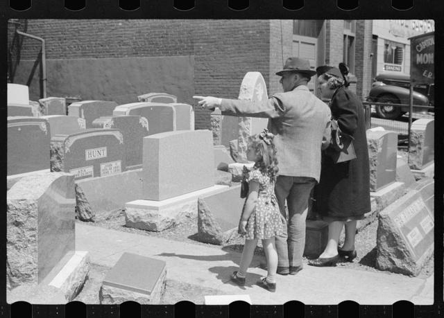Tombstone salesman, Des Moines, Iowa