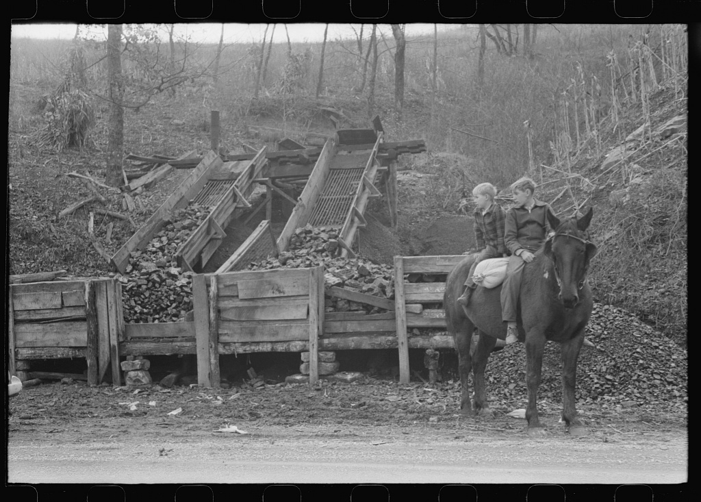 Tommy Abner's coal mine, Southern Appalachian Project, near Barbourville, Knox County, Kentucky