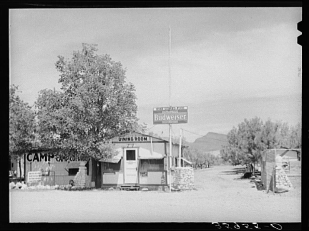Tourist camp at Roosevelt, Arizona