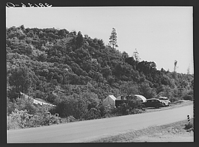 Trailer and tent camp of construction workers at Shasta Dam. Summit City, California
