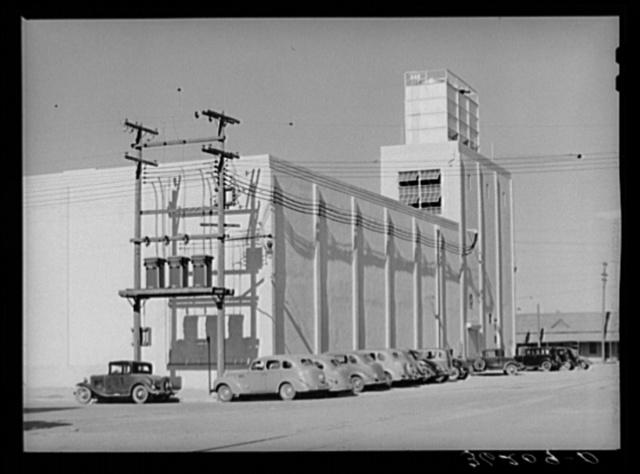 Warehouse of the cooperative citrus growers association. Phoenix, Arizona