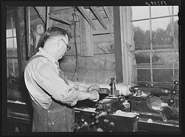 Working in machine shop. Community service center, Faulkner County, Centerville, Arkansas