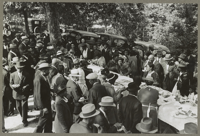 Yanceyville (vicinity), N.C. An outdoor picnic being held during the noon intermission of an all day meeting of ministers and deacons, at the Negro church