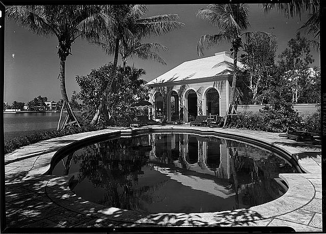 C. Henry Buhl, residence in El Vedado, Palm Beach, Florida. Pool, to pavilion