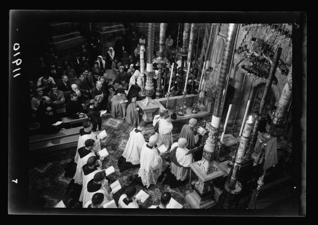 Calendar of religious ceremonies in Jer. [i.e., Jerusalem] Easter period, 1941. Spy Wednesday. Entrance to Holy Sepulchre. Terminating Tenebrae service