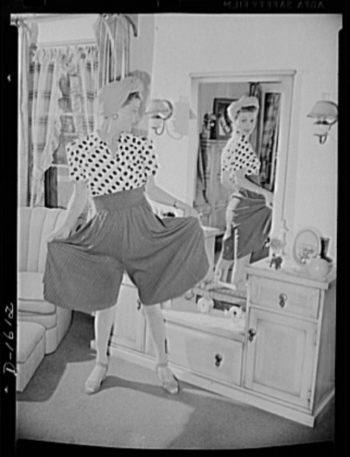 Cotton stockings. There is a current trend for color in sport stockings like these in pale blue which Ann Sheridan is wearing to match her culottes. These stockings are also made in pink, green and orchid. Cotton accepts dye much more readily than does silk