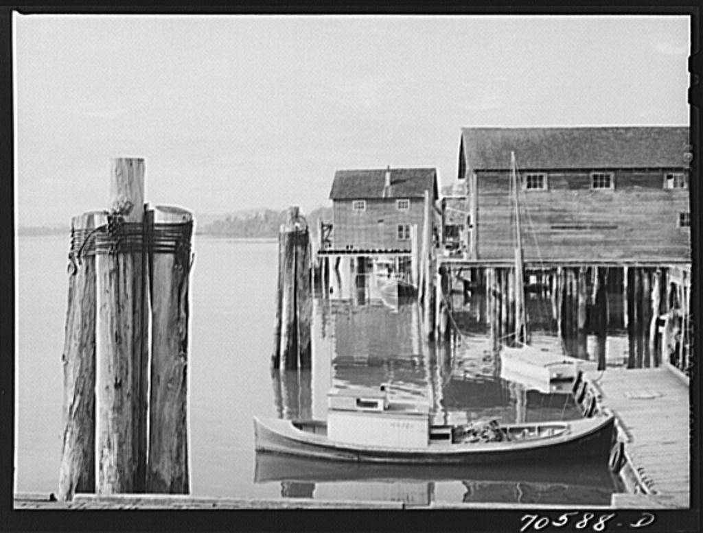 Detail of waterfront. Cathlamet, Washington