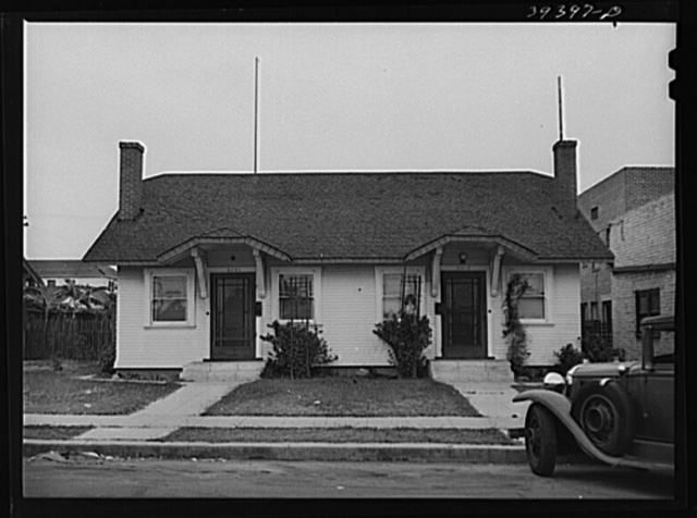 Duplex at 3919-21 Utah Street. Rent has been increased from thirty dollars per side to fifty dollars per side. Reality board says top price per side should not be more than forty-two dollars and fifty cents per month. Director of housing surveys says seventy dollars for frontage would be ample. San Diego, California