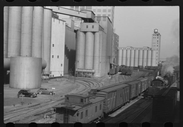 Elevators at Quaker Oats plant. Cedar Rapids, Iowa
