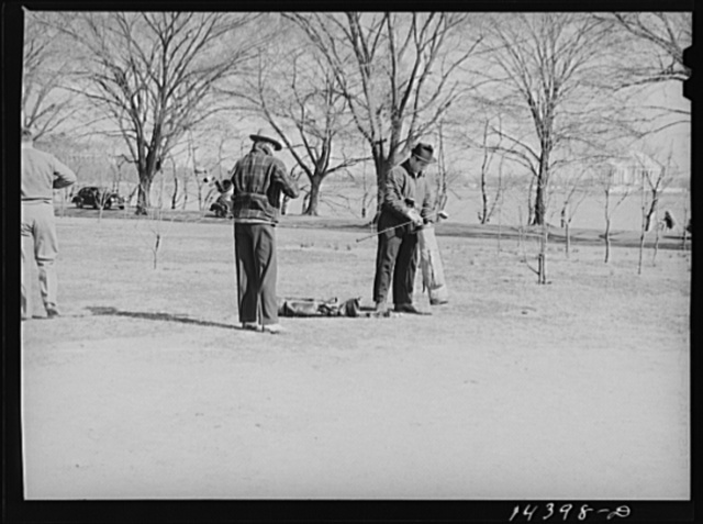 Getting ready for the tee off. Potomac Park, Washington, D.C.