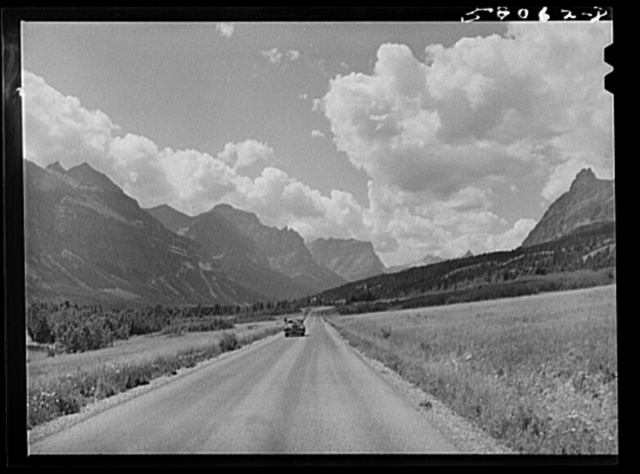 Going-to-the-Sun highway. Glacier National Park, Montana