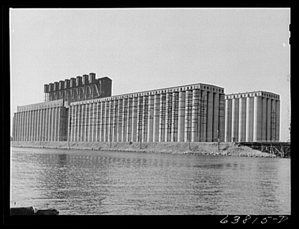 Great Northern elevator. Superior, Wisconsin. This is the largest grain elevator in the world