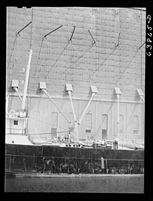 Loading grain boat. Superior, Wisconsin
