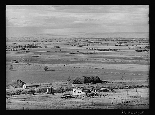 Looking across the farmlands of the Owyhee River Valley, part of the Vale-Owyhee irrigation project. Malheur County, Oregon