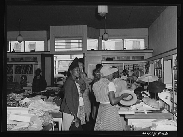 Negro farmers shopping on Saturday afternoon in Liebowitz's store. Greensboro, Greene County, Georgia