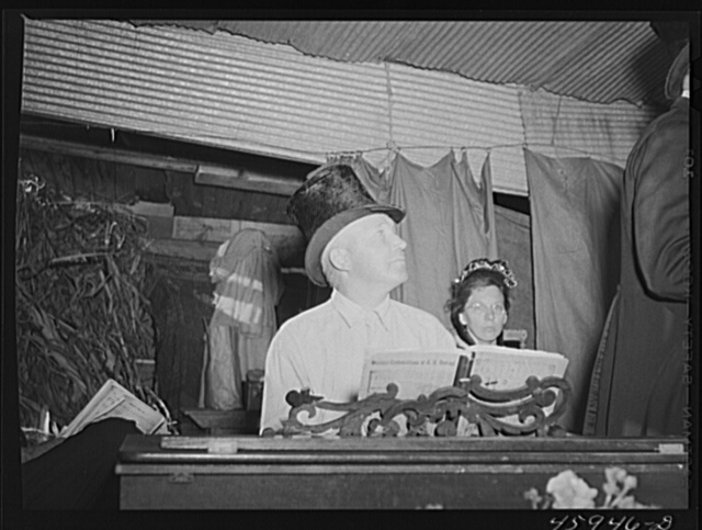 "Organist at the old musical at the ""World's Fair"" at Tunbridge, Vermont"