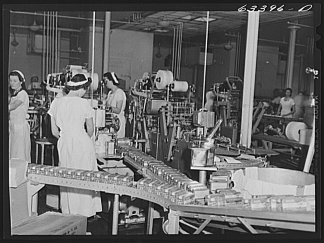 Packing butter. Land O'Lakes plant, Minneapolis, Minnesota