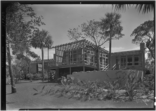 Robert Glassford, residence in Hobe Sound, Florida. West facade, general from right