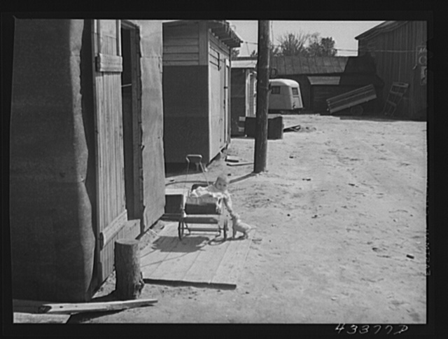 Shacks in a settlement of workers from Fort Bragg, North Carolina, near Manchester, North Carolina