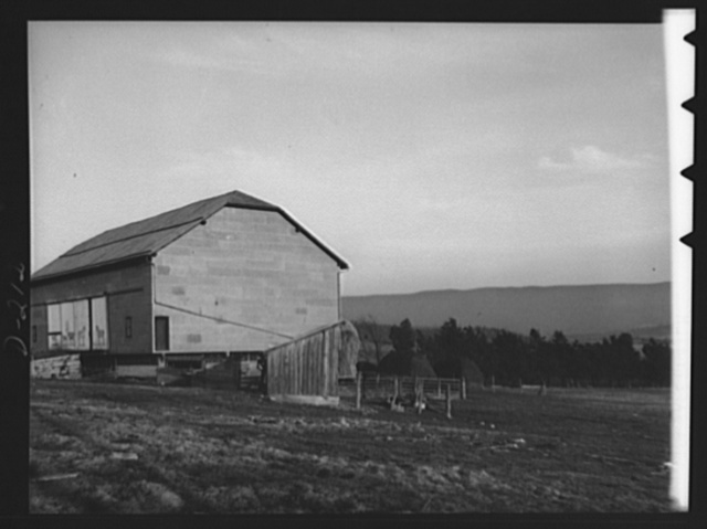 Shenandoah Valley. Shenandoah farmers decorate their barn doors. This building, formly used by the Mennonites and Dunkards, is on the main Valley road just north of Harrisonburg, Rockingham County