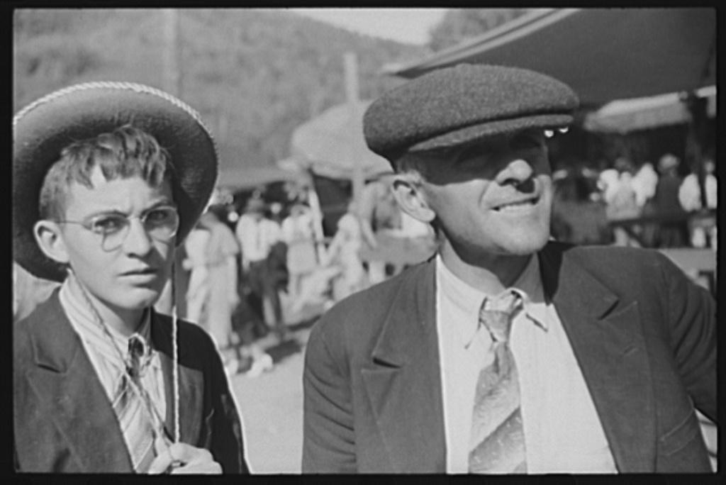 "Spectators at the ""World's Fair"" in Tunbridge, Vermont"