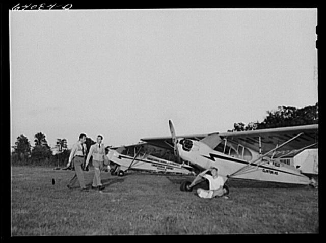 Student flyers under Civilian Pilot Training Program. Congressional Airport. Rockville, Maryland