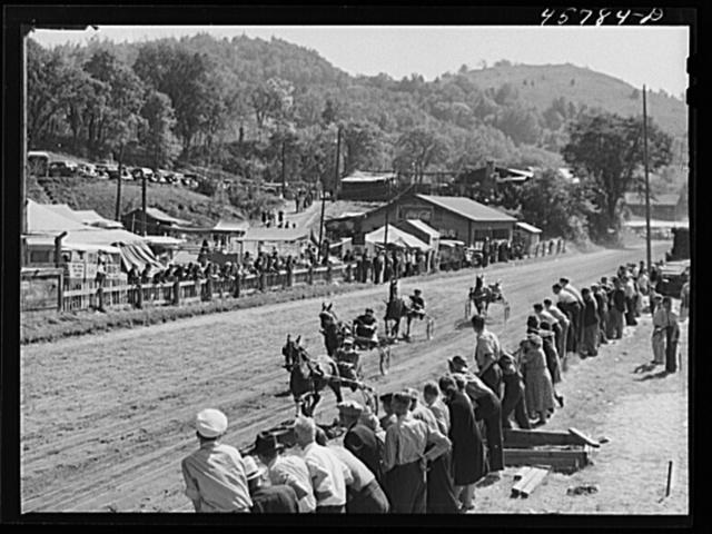 Sulky races at World's Fair in Tunbridge, Vermont