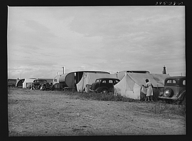 Tents and trailers in pea pickers' (labor contractor) camp. Canyon County, Idaho