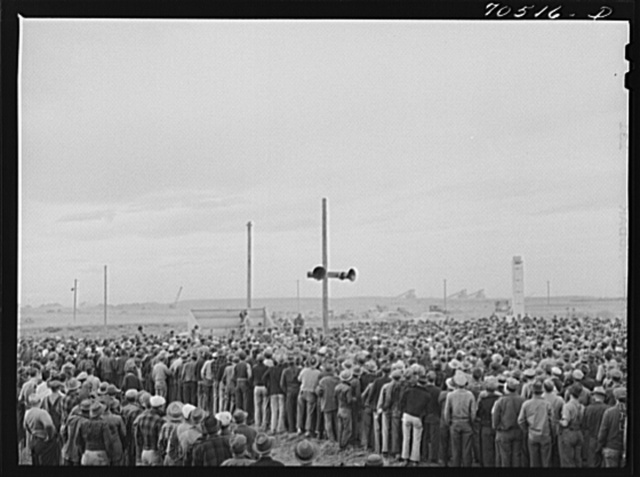 The workmen, five thousand of them, celebrate with a party at which the various foremen were introduced and all were congratulated by the contractor for fine cooperation. Hermiston, Oregon