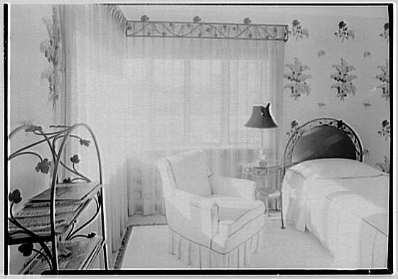 Theodore D. Buhl, residence on Island Rd., Palm Beach, Florida. Upper guest room
