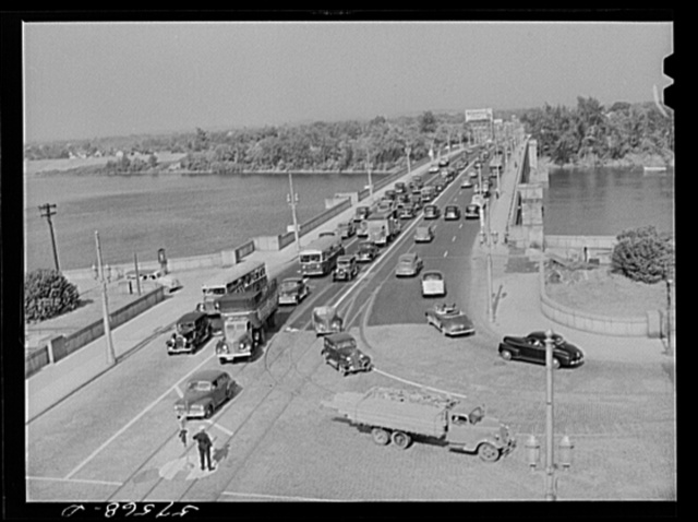 Traffic congestion across the bridge from East Hartford to Hartford, Connecticut after the Pratt and Whitney United Aircraft change of shift