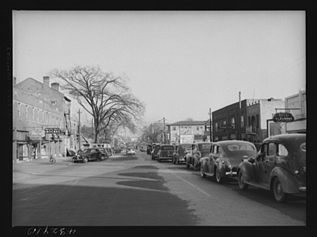 Traffic on the main street of Fayetteville, North Carolina at about five o'clock, when the workers start coming out of Fort Bragg, North Carolina