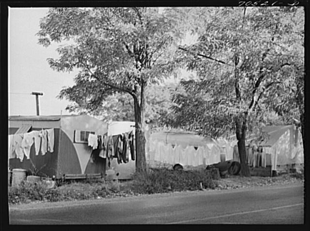 Trailer camp along highway. Hermiston, Oregon