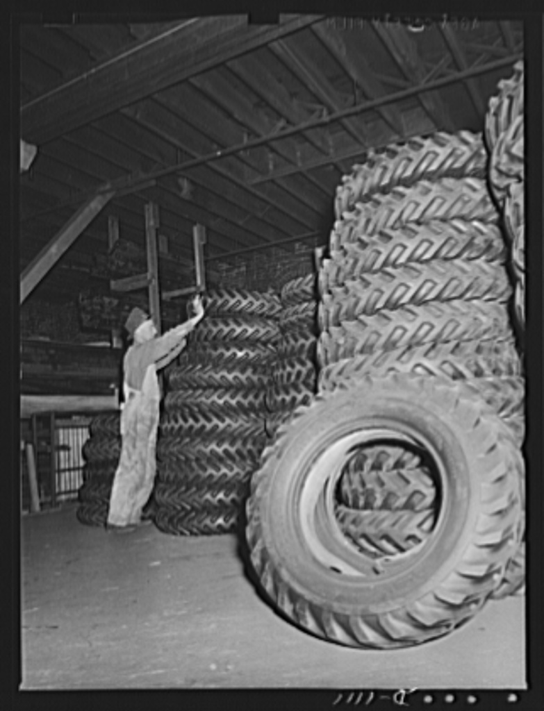 Trailers for defense transportation. Winter Weiss Company, Denver, Colorado. Tiers (7.00 x 20) to equip semi-trailers of the combination platform stake type. These trailers are used for general trucking around Army Camps and depots