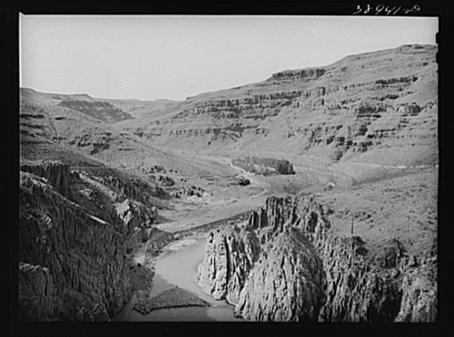 Valley of the Owyhee River immediately below the Owyhee Dam. Malheur County, Oregon