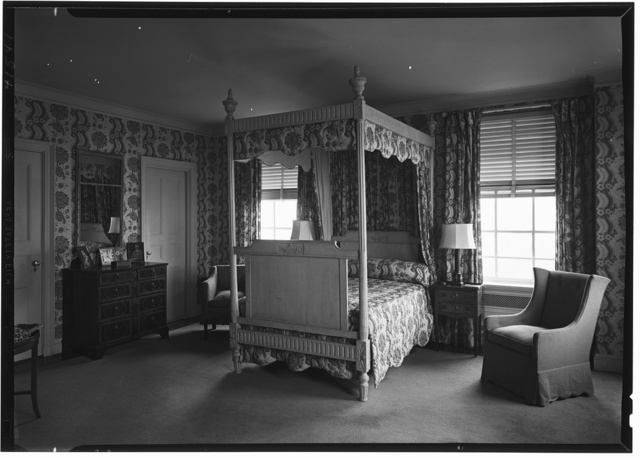 William R. Coe, residence, River House, New York City. Mr. Coe's bedroom