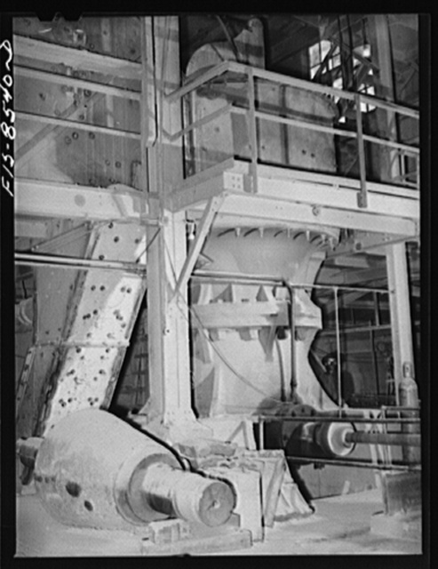 Anaconda smelter, Montana. Anaconda Copper Mining Company. Gyratory crusher in which the primary crushing is done; in this crusher mine-run ore is reduced to a maximum size of four inches
