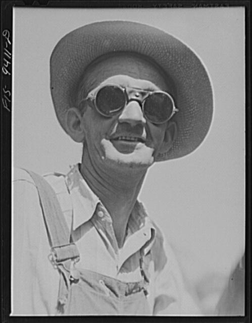 Arkansas-Texas state line to Gurdon, Arkansas. War emergency pipeline from Longview, Texas to Norris City, Illinois. A welder's helper
