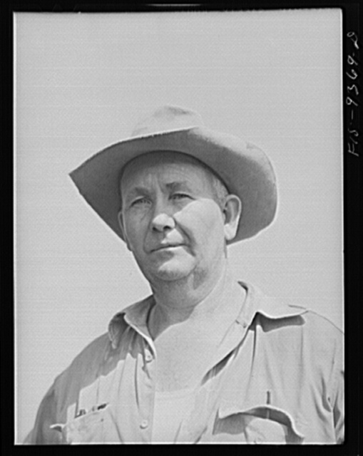 Arkansas-Texas state line to Gurdon, Arkansas War emergency pipeline from Longview, Texas to Norris City, Illinois. One of the foremen