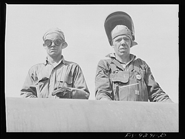Arkansas-Texas state line to Gurdon, Arkansas. War emergency pipeline from Longview, Texas to Norris City, Illinois. Electric welder and helper