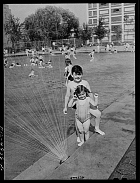 Brooklyn, New York. Red Hook housing project. Jimmy and Annette Caputo at the wading pool