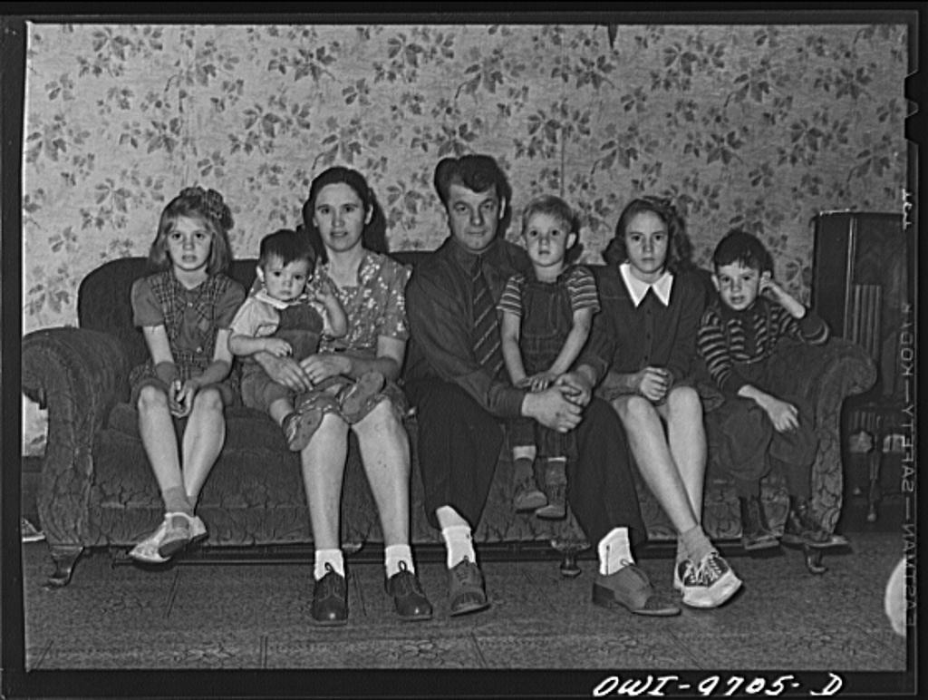 Butte, Montana. Family of Victor Rauh, miner. Left to right: Gloria, Richard, Katherine, Mr. Rauh, Harvey, Dorothy, Victor Jr.