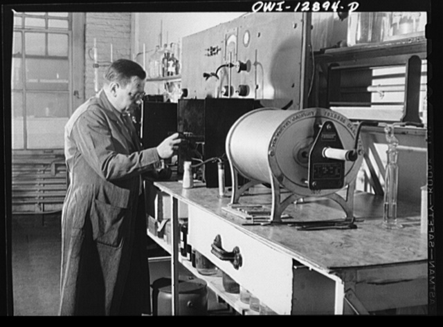 Chicago, Illinois. Apparatus for determining components of the various alloys used on railroads at the testing laboratory of the Chicago and Northwestern Railroad