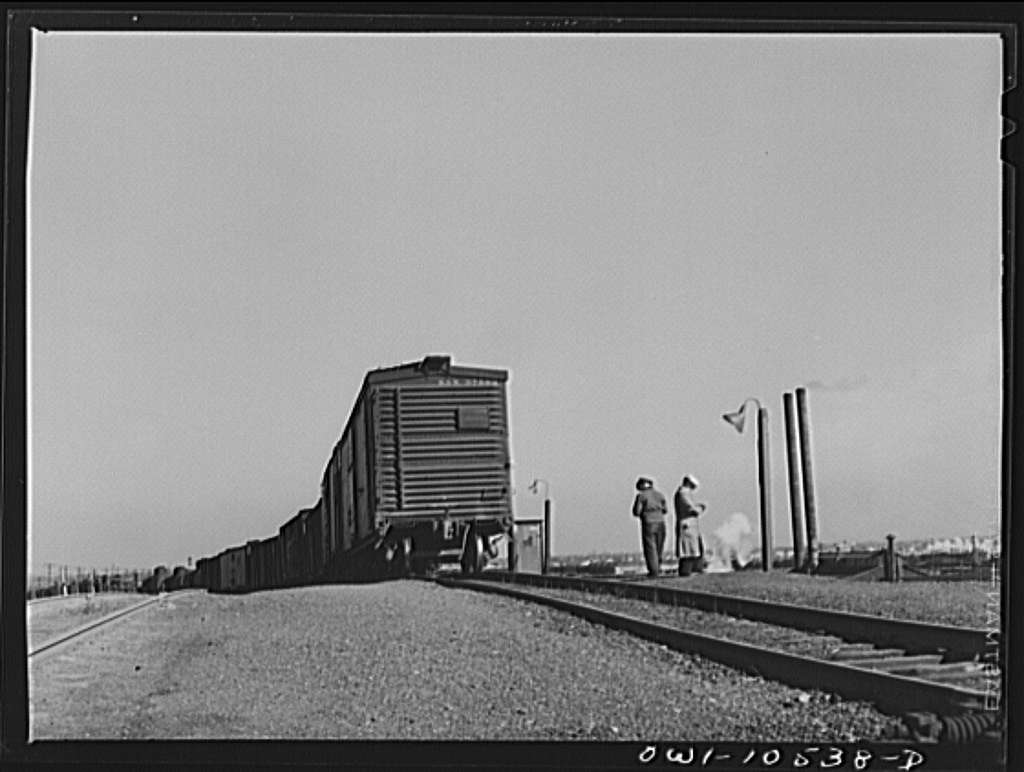 Chicago, Illinois. Cars going over the south hump at an Illinois Central Railroad yard